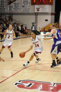 Photo of Basketball Blog: Women's basketball looking for answers