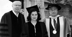 (From left) Westminster Board of Trustees Chair William H. Scheide, renowned soprano Elly Ameling and former Westminster president Ray Robinson stand at Westminster Choir College Commencement in 1985. Robinson passed away on Oct. 8.