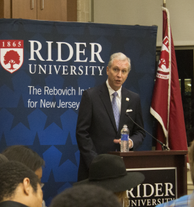 State Assemblyman John Wisniewski speaks in the Mercer Room on Dec. 3 about the leadership problems New Jersey faces.