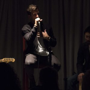 Dez Duron, former contestant on NBC's The Voice, performs an intimate accoustic show in the pub, bonding with audience members by sharing his memories from when he was in college.