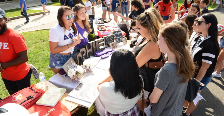 Photo of Here comes the stampede: Rider welcomes historically large freshman class