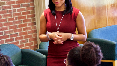 Photo of TV reporter shares wisdom with students