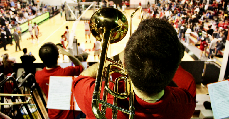 Photo of Broncs win, and so does the band