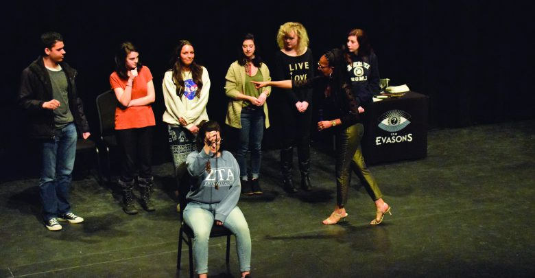 Photo of Mentalist duo bends minds, wows crowd