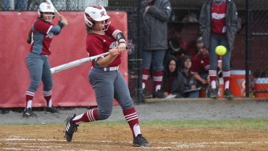 Photo of Broncs' bats quiet as they begin MAAC play 1-4