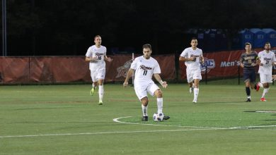 Photo of Men's soccer slips in winless week