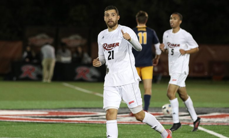 Photo of Coco's headers push men's soccer to win