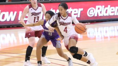 Photo of Johnson scores 33 in Broncs' 10th straight win